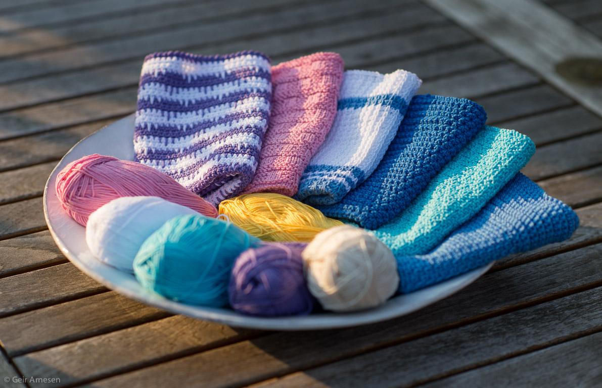 Klutene øker på fatet, de 6 første klutene fra klutealongen. Vil du være med å strikke, hekle eller hakke kluter i sommer!