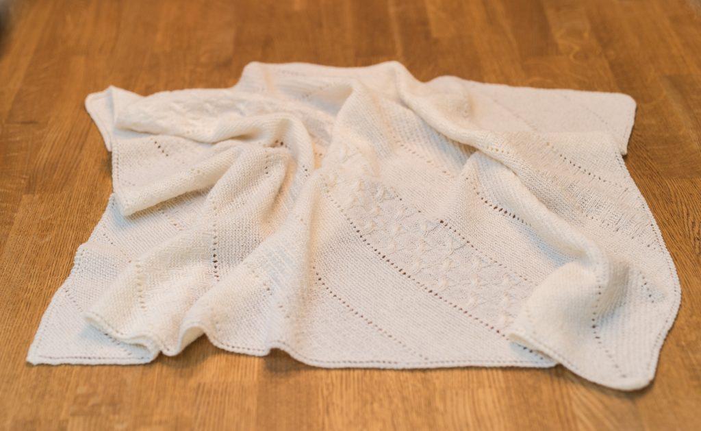 Samstrikk/knit-a-long babyteppe